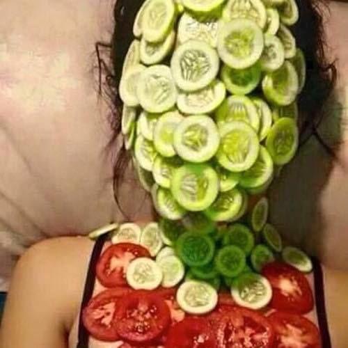 Khi gia đình làm nông và em học cách đắp mặt nạ.