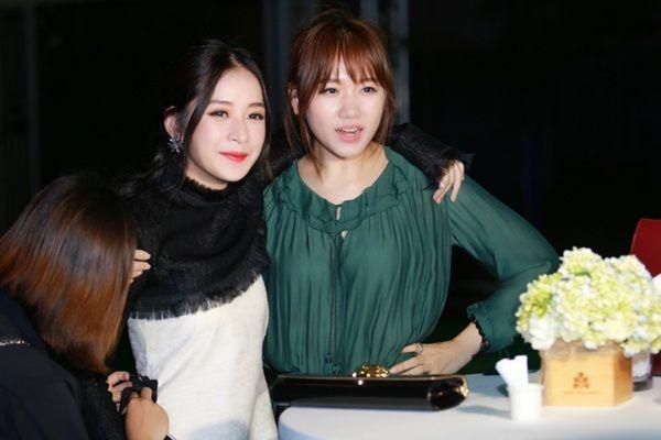 Hari Won đã dành lời chúc mừng cho Chi Pu khi MV vừa ra mắt. - Tin sao Viet - Tin tuc sao Viet - Scandal sao Viet - Tin tuc cua Sao - Tin cua Sao