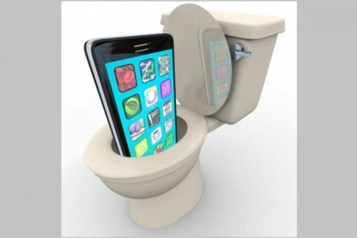 Dành cho những ai không muốn chết sớm: Thế thì đừng dại mà ôm cái điện thoại vào nhà vệ sinh