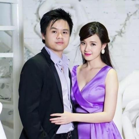 Phan Thành là người đầu tiên Midu công khai với người hâm mộ với danh nghĩa anh là người yêu. Cả hai chính thức hẹn hò vào năm 2013 và là một cặp đôi được khán giả quan tâm. - Tin sao Viet - Tin tuc sao Viet - Scandal sao Viet - Tin tuc cua Sao - Tin cua Sao