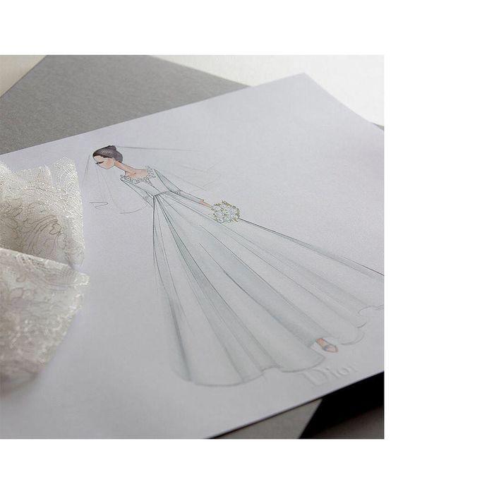 """Bản phác thảo váy cưới của """"cô dâu tháng 10"""" đầy lộng lẫy Song Hye Kyo."""