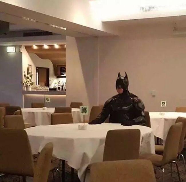Batman có vẻ cô đơn quá nhỉ?