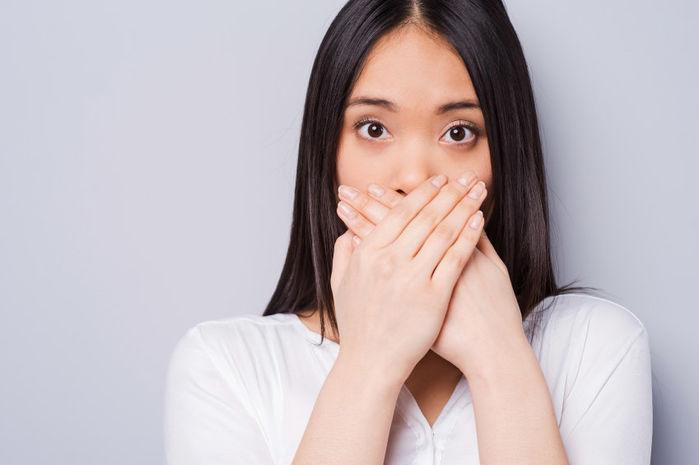 Cảm giác bị nấc cụt không hề dễ chịu một chút nào, hiện tượng này xảy ra khi cơ hoành co thắt khiến luồng không khí đi vào phổi bị chặn lại bởi các dât thanh môn.