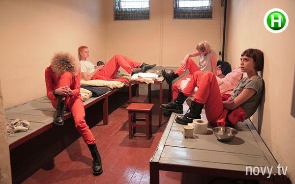 Dường như đây là thử thách khó hiểu và độc lạ nhất trong các mùa Next Top Modelmà các thí sinh phải trải nghiệm cảm giác ở tù.
