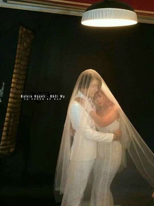 Khởi My tất bật thử váy cưới đính 8.000 viên pha lê trước ngày trọng đại