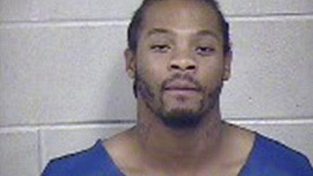 Phạm nhân có hành động kỳ lạ khiến buổi thẩm vấn buộc phải dừng lại