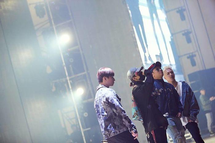 Ơn giời cuối cùng Big Bang cũng đã gặp nhau nhưng sao G-Dragon - Seungri cứ tình cảm thế này