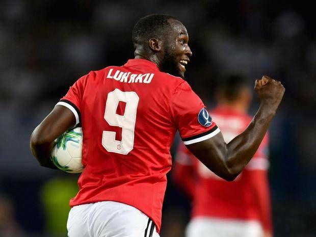 Tiền đạo 24 tuổi sinh ra tại Antwerp, Bỉ nhưng cả bố mẹ anh đều là người Congo. Do vậy, Lukaku có quyền chơi cho đội tuyển quốc gia Congo nhưng anh đã từ chối để khoác áo đội tuyển Bỉ.