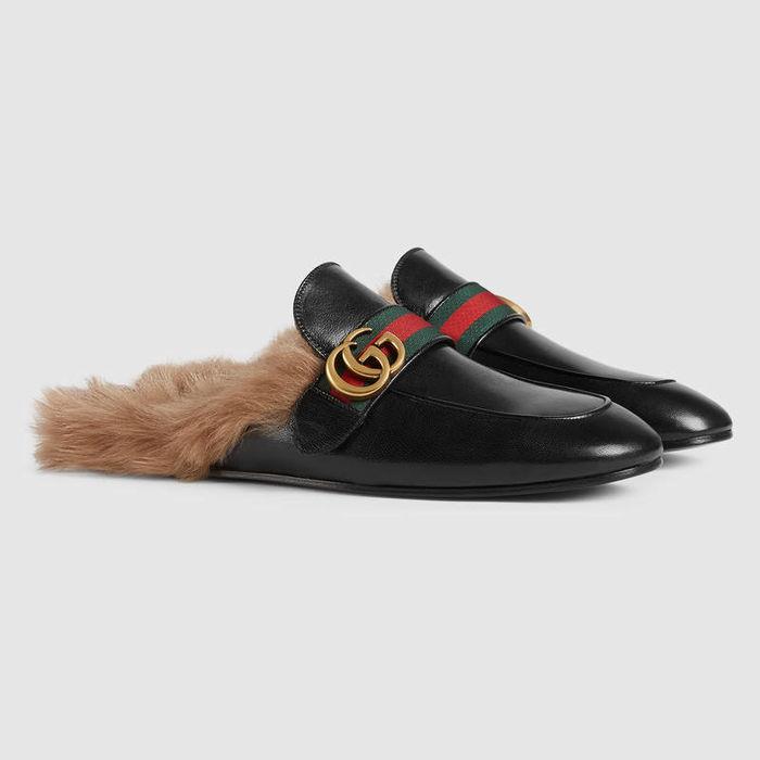 Đôi giày của Kim Lý trị giá khoảng25,8 triệu đồng.