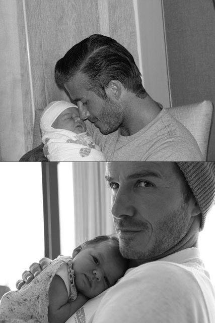 Từ khi chào đời vào ngày 10/7/2011, Harper đã may mắn được nằm trong vòng tay ấm áp của ông bố đẹp trai và nổi tiếng nhất nhì hành tinh.