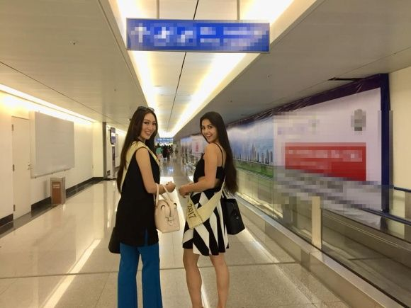 Nếu Tân Hoa hậu Trái đất bị chê về nhan sắc thì Hoa hậuLửa Lada Akimova lạigây ấn tượng với vẻ trẻ trung, xinh đẹp.
