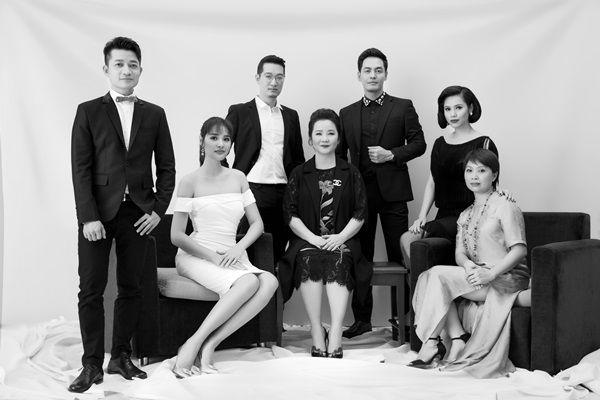 Chung kết Hoa hậu Hoàn vũ Việt Nam 2017 diễn ra bình thường, Hoàng My vẫn làm giám khảo