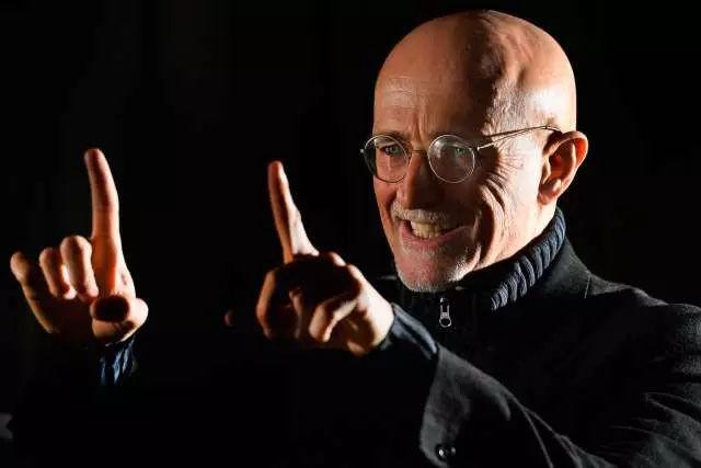 Bác sĩ điên người Ý Sergio Canavero.