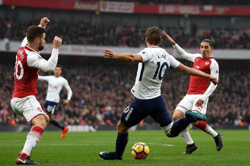 Harry Kane hoàn toàn mất tích trước hàng thủ Arsenal.