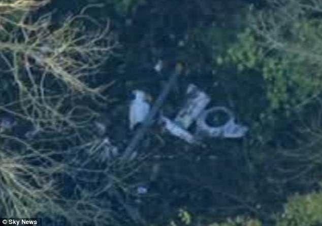 Các mảnh vỡ máy bay trong vụ tai nạn. (Ảnh: Sky News)