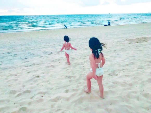 Hai con gái nhà Lý Hải diện bikini vô cùng đáng yêu. - Tin sao Viet - Tin tuc sao Viet - Scandal sao Viet - Tin tuc cua Sao - Tin cua Sao