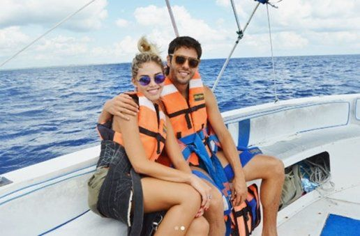 Kaka gần đây liên tục đăng tải hình ảnh thân thiết bên Carolina và hai cô con gái Luca và Isabella.