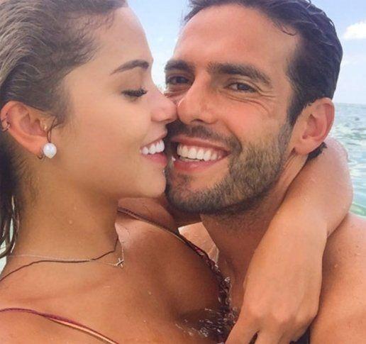 Bạn gái mới của Kaka - Carolina Dias năm nay 29 tuổi, kém cựu tiền vệ Brazil tới 9 tuổi, hiện cô đang là một người mẫu khá có tiếng tại Brazil.