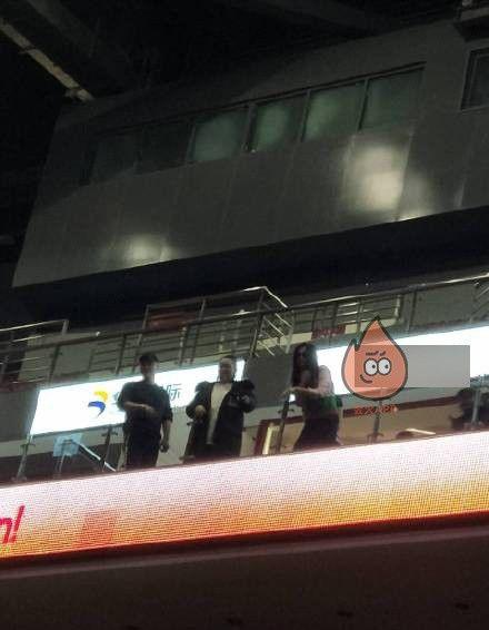 Phạm Băng Băng tại sân vận động nơi diễn ra bữa tiệc sinh nhật của Vương Nguyên (TFBoys).