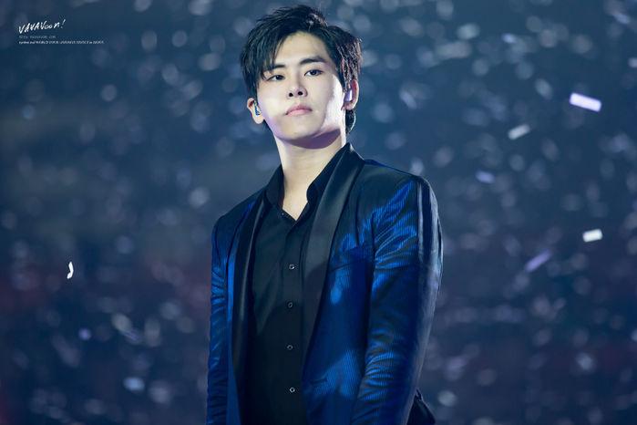 ...top 7 của bảng xếp hạng cũng có sự góp mặt của cựu thành viên Infinite -Hoya ở vị trí thứ 4