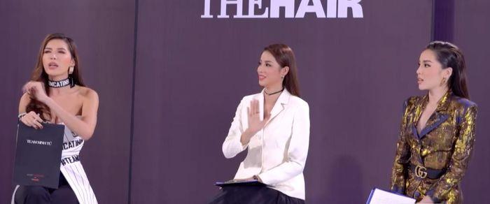 """Phạm Hương kiên định trong vai """"chị Đại"""" ở The Look 2017, bỏ việc tranh giành thí sinh để đi giải hòa hai đàn em Minh Tú - Kỳ Duyên."""