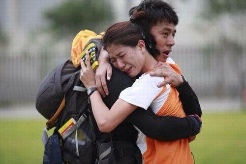 Bạn đồng hành Hiếu Nguyễn của Trang Trần cũng phải chịu trận trước những lần nổi nóng của cô.