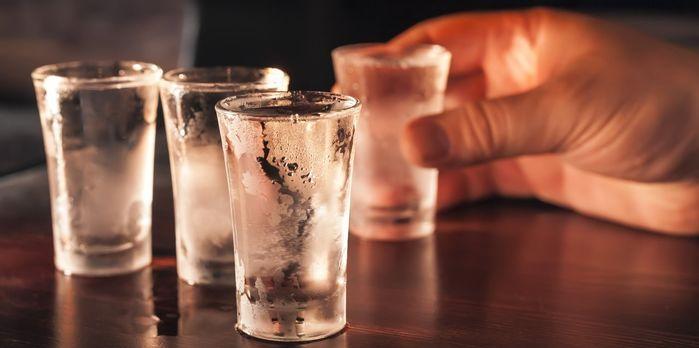 Tránh xa ngay 7 loại thức uống chứa cồn sau đây để làn da không bị