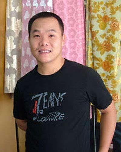 NTK Việt Hùng - quản lý cũ của Mai Phương Thúy và cũng là người có 17 năm đào tạo thí sinh thi Hoa hậu Việt Nam. - Tin sao Viet - Tin tuc sao Viet - Scandal sao Viet - Tin tuc cua Sao - Tin cua Sao