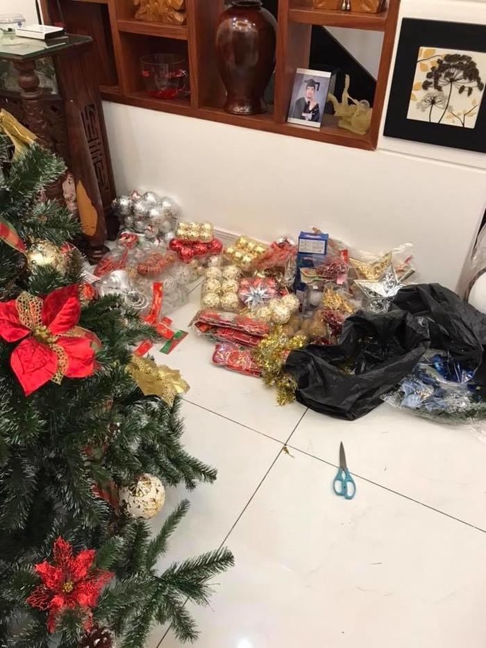 Sao Việt tất bật trang trí nhà đón Giáng sinh, cây thông nhà ai lung linh nhất? - Tin sao Viet - Tin tuc sao Viet - Scandal sao Viet - Tin tuc cua Sao - Tin cua Sao