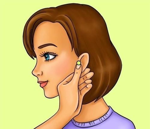 Massage tai để giải phóng năng lượng, kiểm soát cảm giác thèm ăn.