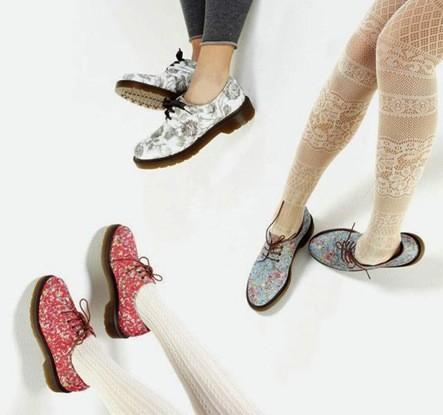 Hôi chân có thế lây qua việc đichung giày dép
