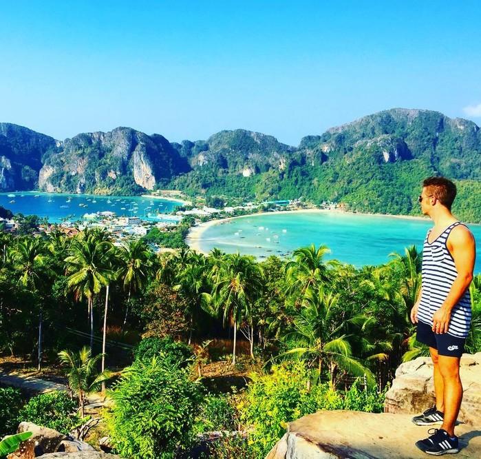 Koh Phi Phi - hòn đảo với bãi biển sạch nhất thế giới ở Thái Lan