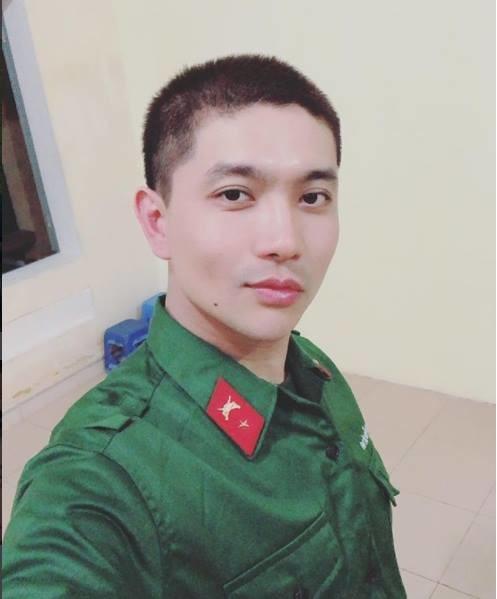 """Lộ ảnh Tim xuống tóc, lên đường """"nhập ngũ"""" sau scandal của Trương Quỳnh Anh và Bình Minh - Tin sao Viet - Tin tuc sao Viet - Scandal sao Viet - Tin tuc cua Sao - Tin cua Sao"""
