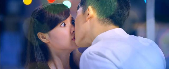 """Harry cho biết: """"Mới đầu được hôn Midu thì tôi thấy sướng lắm. Nhưng mà hôn hơn một chục lần thì tôi bắt đầu thấy chán và sau đó là… ám ảnh luôn"""". - Tin sao Viet - Tin tuc sao Viet - Scandal sao Viet - Tin tuc cua Sao - Tin cua Sao"""