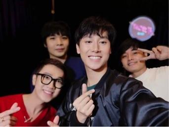 Rocker Nguyễn tiết lộ bí quyết chiếm trọn trái tim Alpha bằng chiêu selfie - Tin sao Viet - Tin tuc sao Viet - Scandal sao Viet - Tin tuc cua Sao - Tin cua Sao
