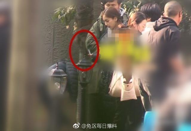 Lại khiến netizen chỉ trích về hành động này, Angela Baby còn nhớ mình là
