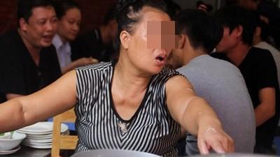 Chuyện bán hàng chảnh, hay chửi khách không lạ lẫm ở Hà Nội.
