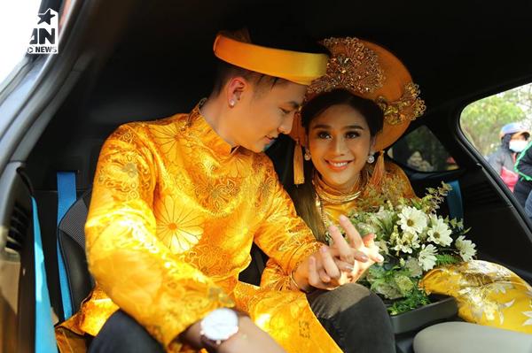 Lâm Khánh Chi đeo vàng nặng trĩu, tình tứ hết nấc bên ông xã kém 8 tuổi trong lễ đón dâu - Tin sao Viet - Tin tuc sao Viet - Scandal sao Viet - Tin tuc cua Sao - Tin cua Sao