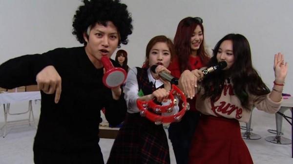 Heechul thân thiết với nhiều idol nữ xinh đẹp nhưng chưa một lần bị Dispatch tin chuyện hẹn hò.