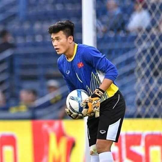 Chàng soái ca này đã từng ở vị trí trung vệ trong màu áo một đội bóng trẻ ở Thanh Hóa.