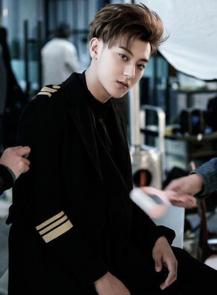 Cựu thành viên EXO viết tâm thư: