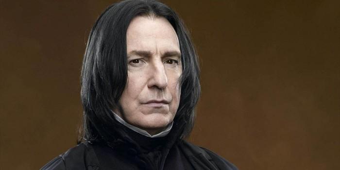 """Thầy Snape trong series phim Harry Potter cũng trở thành """"nạn nhân"""" của Ramsey khi ông qua đời sau khi tiền vệ xứ Wales ghi bàn vào lưới Liverpool trong trận hòa 3-3 ngày 14/01/2016."""