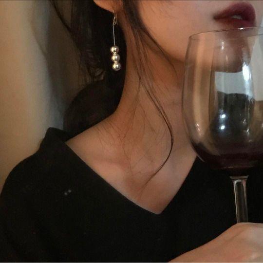 Mồ hôi có mùi lên men của rượu.
