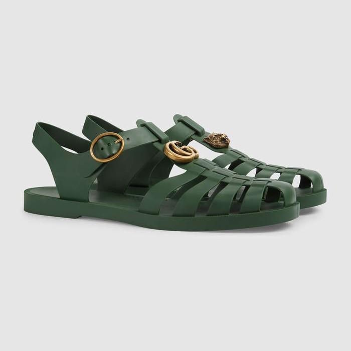 Đôi sandal hơn 11 triệu đồng của Gucci vừa trình làng lại giống dép bộ đội thế này?