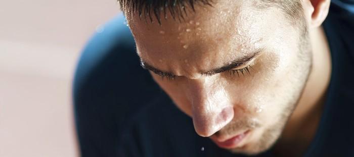 Khoa học chứng minh: Muốn được phụ nữ say mê hãy cho họ ngửi mùi... mồ hôi của bạn