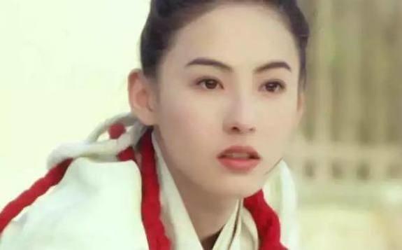 Cận cảnh vẻ đẹp xuất thần của Trương Bá Chi...