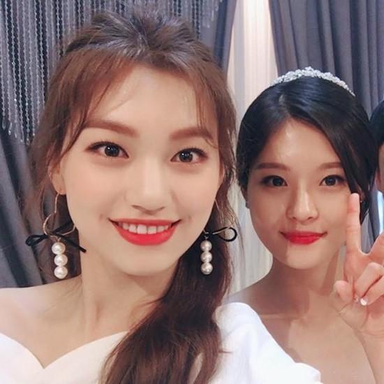 Sức mạnh của gen di truyền: Dàn chị/em gái xinh ngất ngây chẳng kém gì người nổi tiếng của idol Kpop