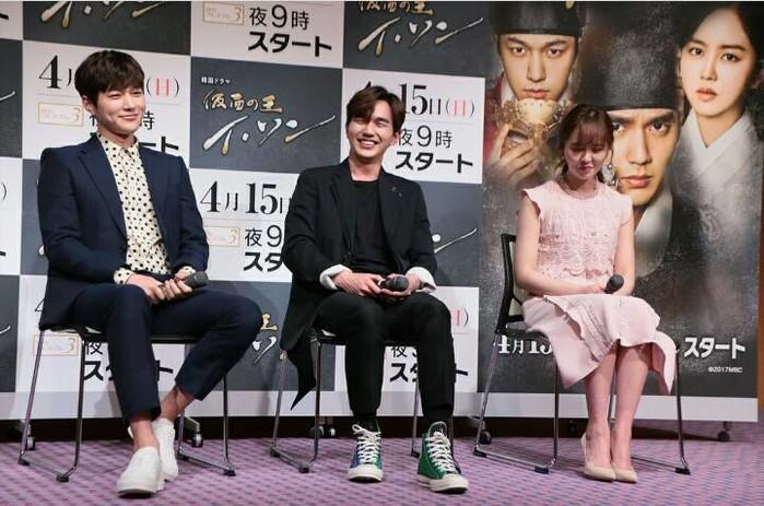 Mọt phim hú hét khi Kim So Hyun và Yoo Seung Ho của Mặt Nạ Quân Chủ  tái xuất bên nhau