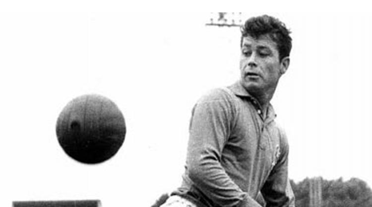 Just Fontaine ghi 13 bàn thắng cho ĐT Pháp chỉ trong một kì World Cup 1958, qua đó trở thành cầu thủ duy nhất trong lịch sử ghi bàn trong tất cả các trận của đội tuyển quốc gia khi tham gia một kì World Cup.