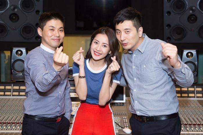 """Chi Pu đầu tư """"mạnh tay"""" cho sản phẩm debut khi kết hợp cùngbộ đôi producerKrazy Park và Eddy Park."""